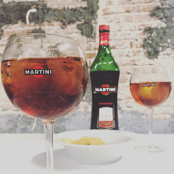 Versiones Martini & Tonic